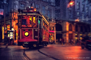 A night in Istanbul by UgurDoyduk