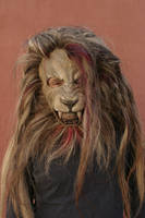 Lion mask with horse hair by damocles-shop