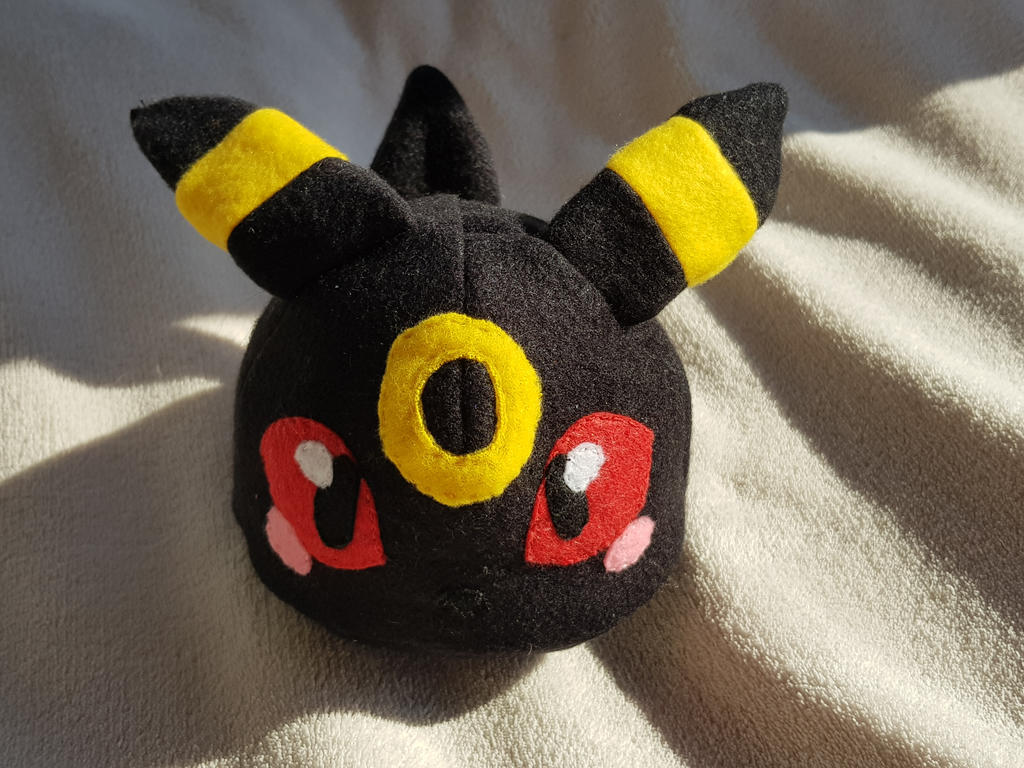 Umbreon plush  by Meeth28