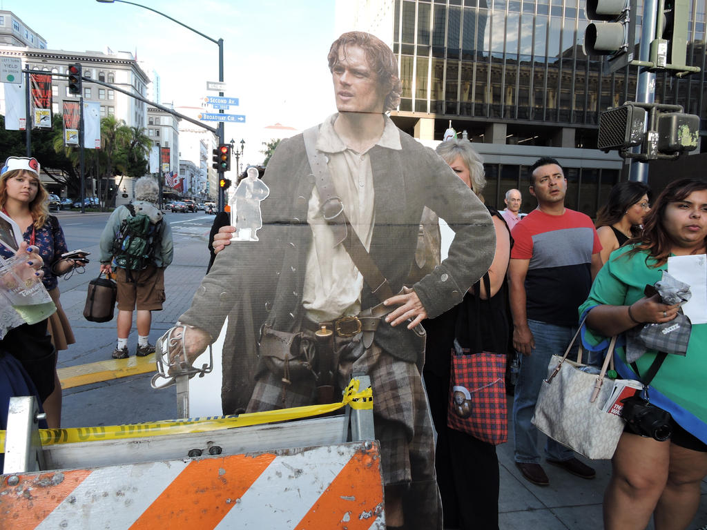 #PocketJamie meets #GiantJamie by IreneAdler76