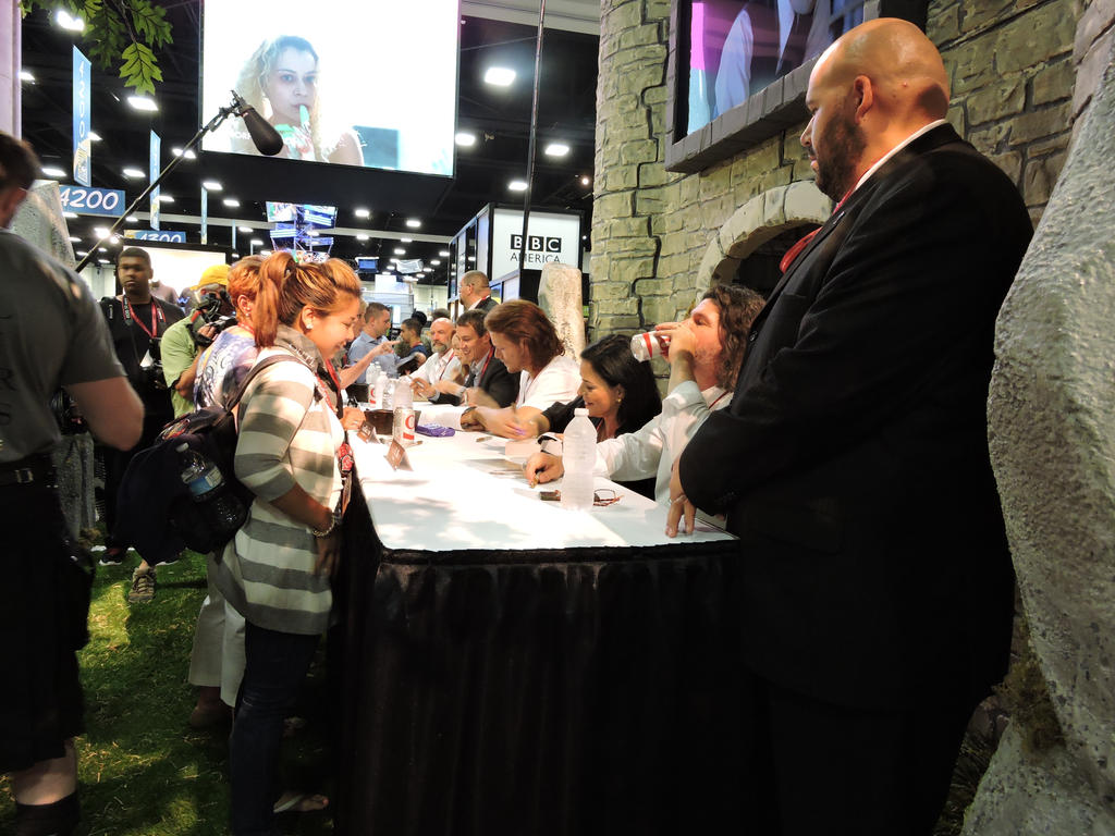 Outlander Signing at SDCC by IreneAdler76
