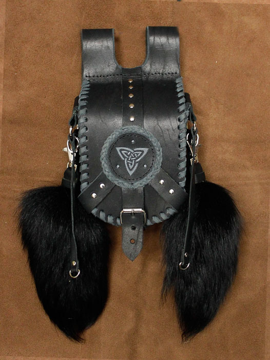 black leather bag by ereglin