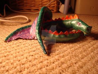 Dragon ashtray 2
