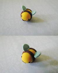 Bee by toastclay