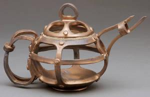 minimalist tea pot