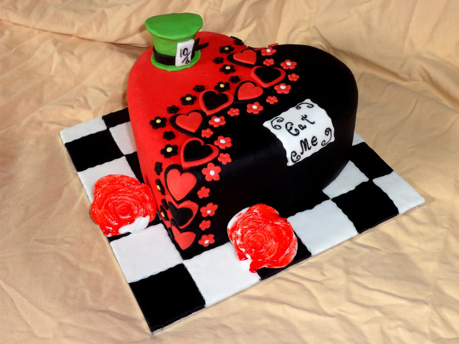Alice in Wonderland Hat Cakes Alice in Wonderland Heart Cake