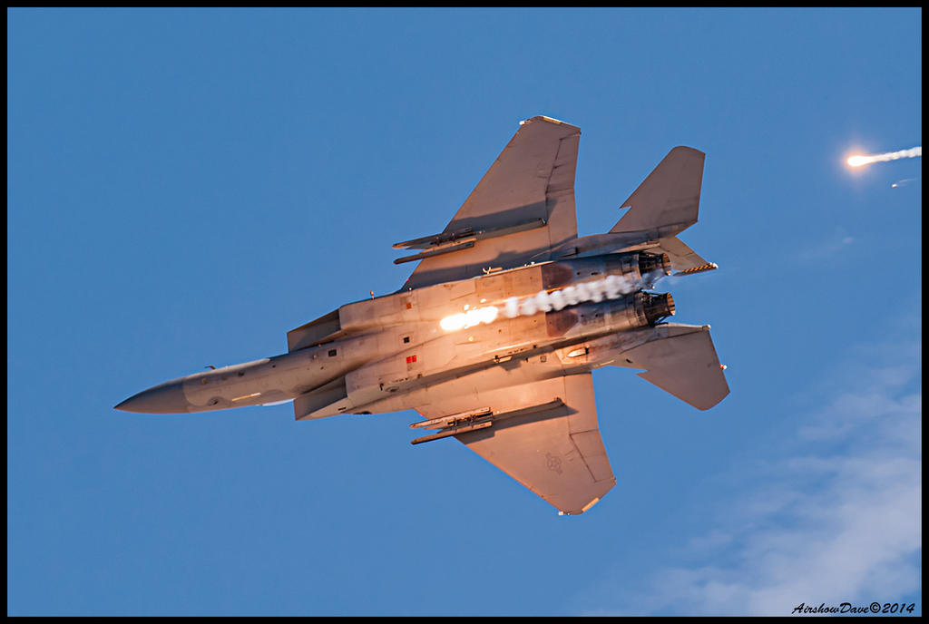 Eagle flares by AirshowDave