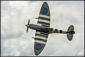 Supermarine Spitfire MK IXc by AirshowDave