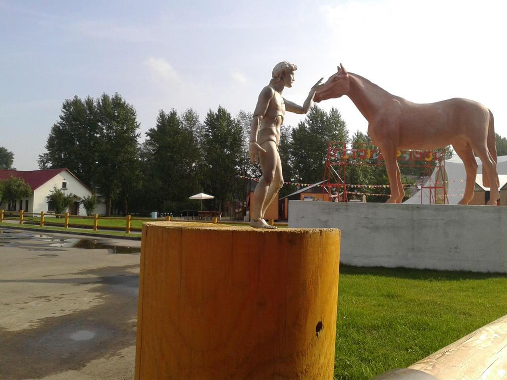David and Horse by Chentzilla