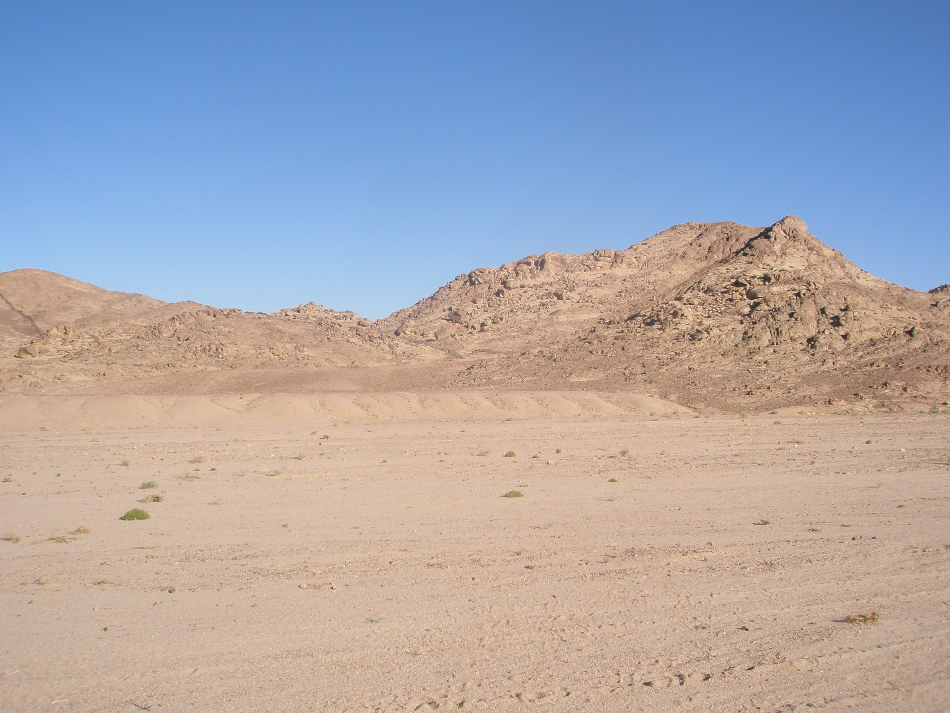 Sinai desert landscape by semiretiredjedi on deviantart for Desert landscape