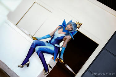 Elementalist Lux Ice cosplay - League of Legends
