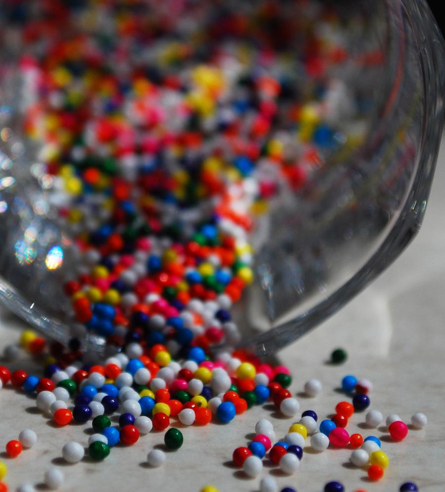"""Obrázok """"http://fc33.deviantart.com/fs45/i/2009/097/6/a/Colors_by_JenRoyce.jpg"""" sa nedá zobraziť, pretože obsahuje chyby."""