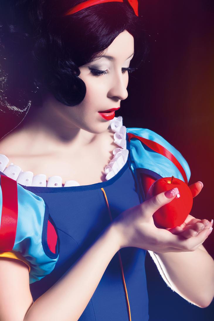 Snow White by NikitaCosplay ...  sc 1 st  DeviantArt & Snow White by NikitaCosplay on DeviantArt
