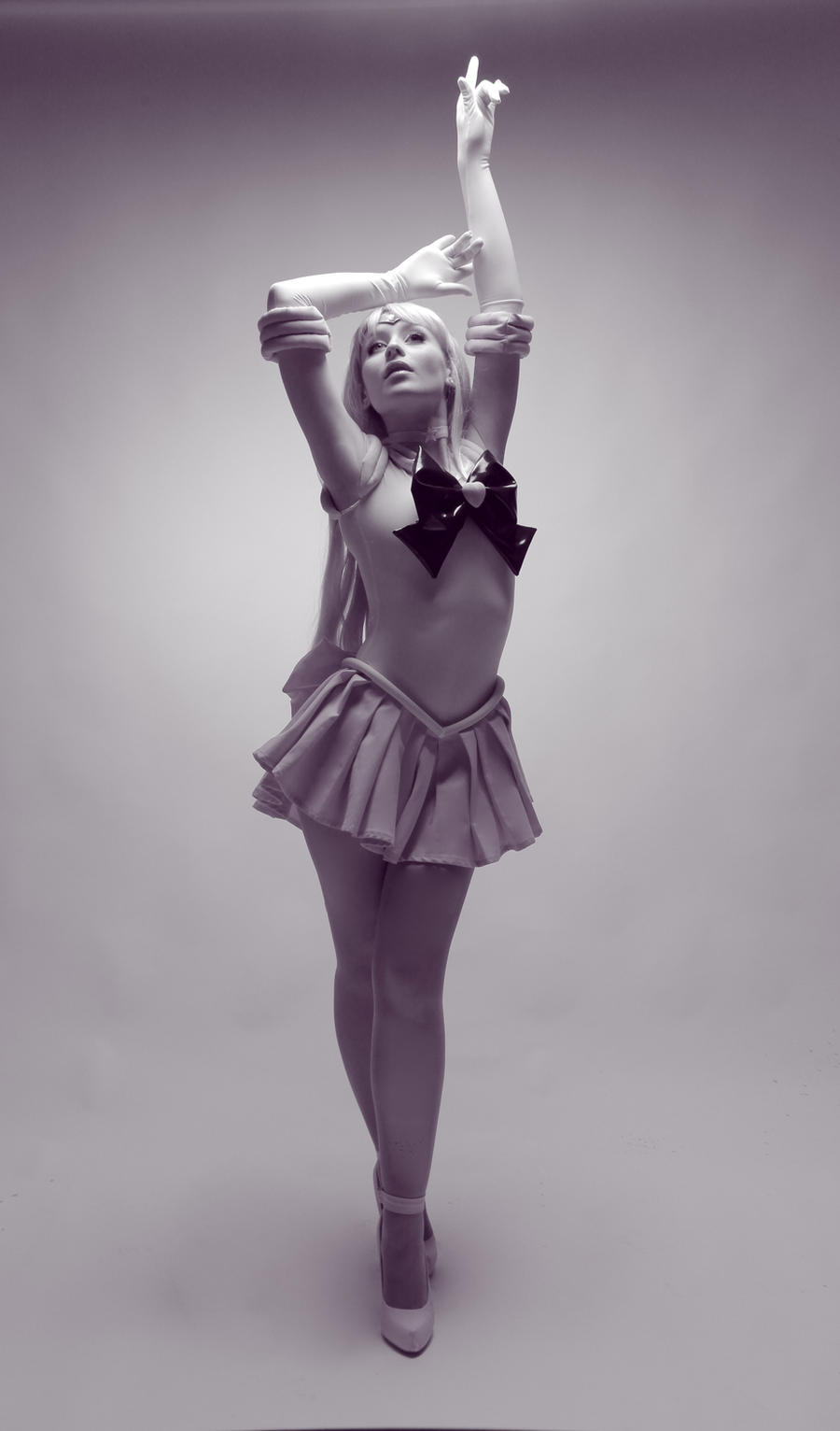 Sailor Venus by NikitaCosplay