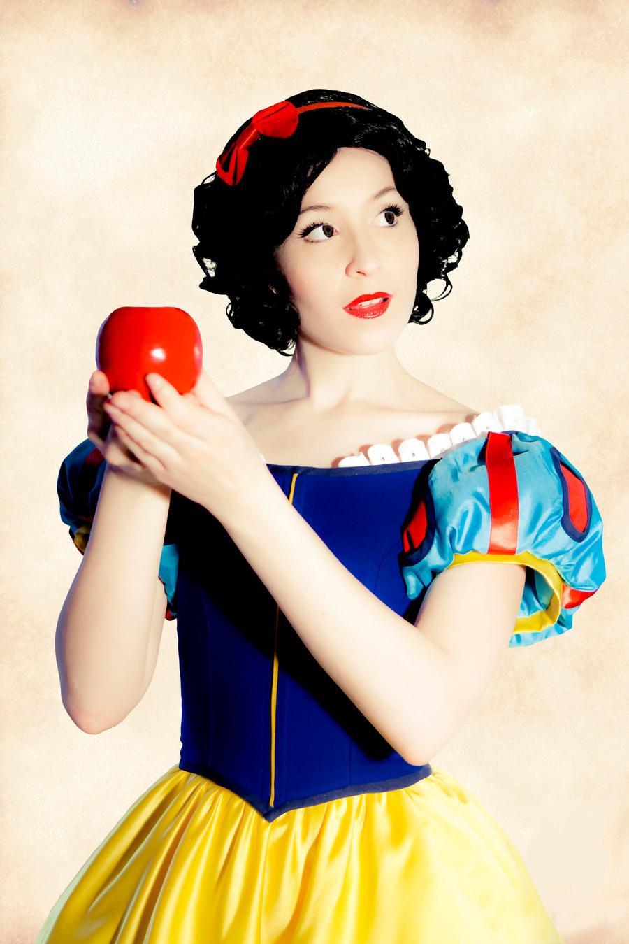 Snow White by NikitaCosplay