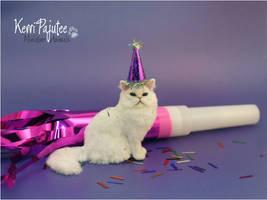 Miniature 1:12 Cat sculpture - PartyPooper by Pajutee