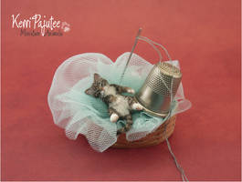Miniature 1:12 Sleepy Kitty sculpture by Pajutee