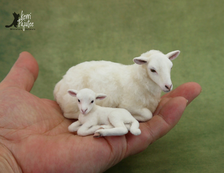 Miniature Ewe and lamb sculpture by Pajutee