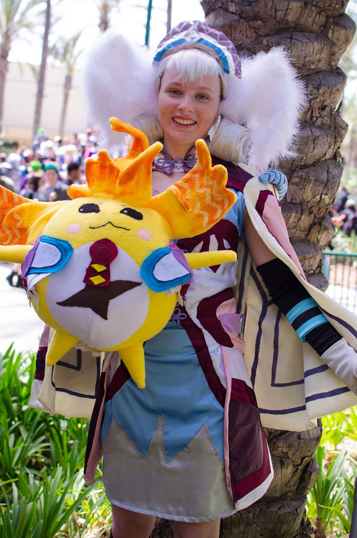 Wondercon 2015 - Melia Antiqua And Heropon Riki by MidnightLiger0