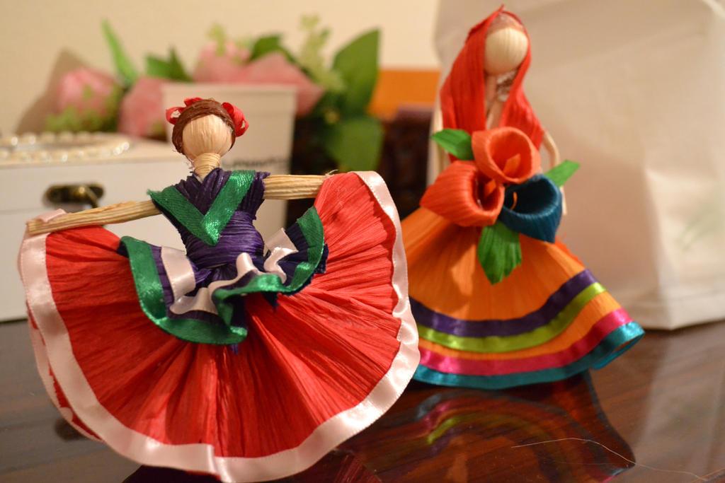 Dance Chica! by Cake-ishPie
