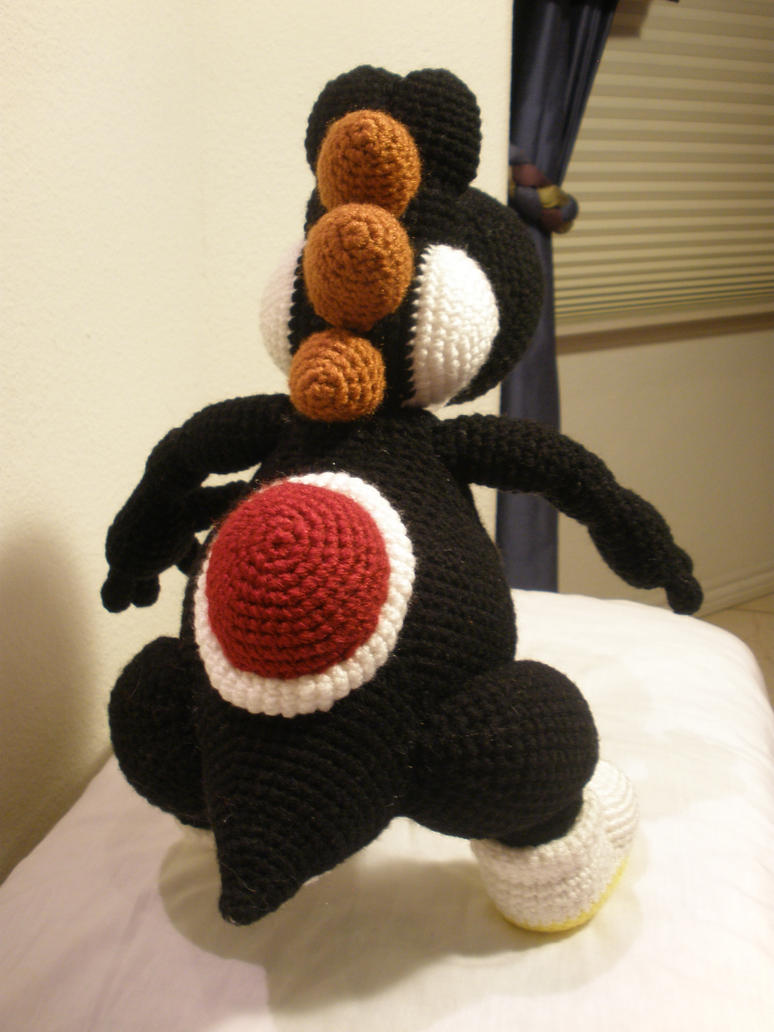 Free Yoshi Egg Crochet Pattern : Crocheted Black Yoshi 4 by aphid777 on DeviantArt
