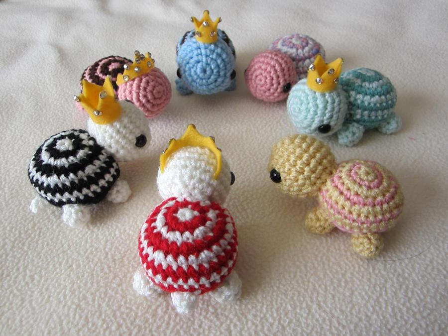 Free Crochet Patterns Mini Amigurumi : Mini Crocheted Turtles by aphid777 on DeviantArt