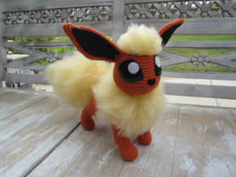 Crocheted Flareon by aphid777