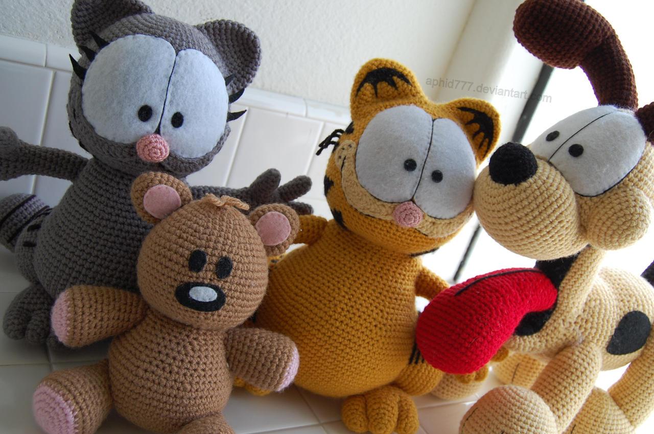 Amigurumi Free Patterns Garfield : Garfield and Friends by aphid777 on DeviantArt