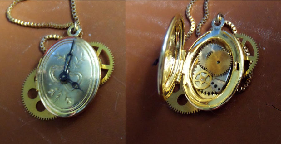 Steampunk locket by Hiddendemon-666