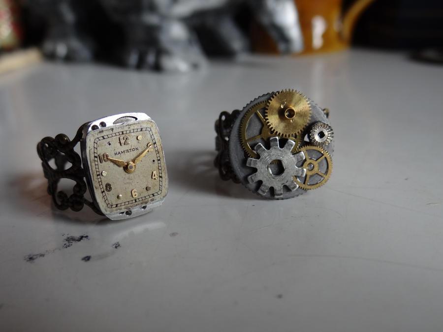 Steampunk rings by Hiddendemon-666