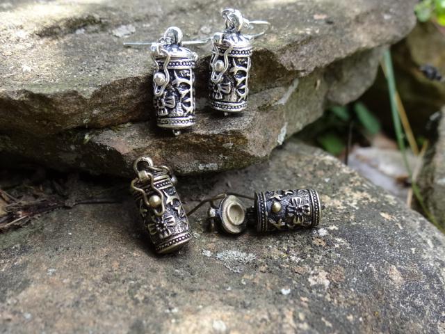 Wish box earrings by Hiddendemon-666