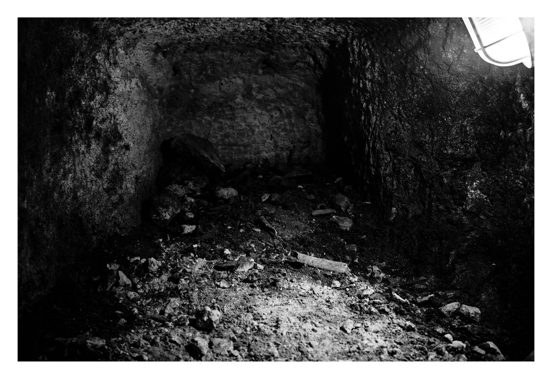 Grave in St Paul's Catacombes - Malta - 87 by silentmemoria