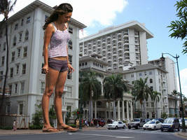 GIANTESS MILA KUNIS in HAWAII