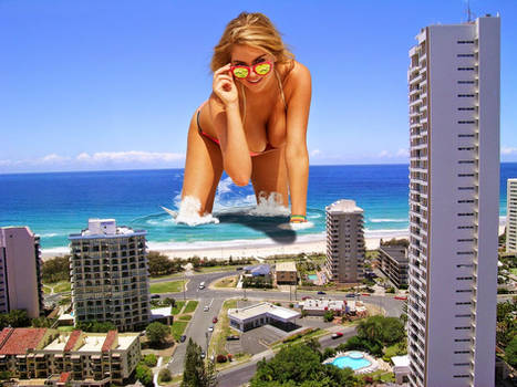 GIANTESS KATE UPTON !!!