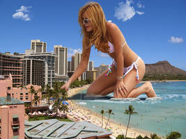 GIANTESS BELLA THORNE !!!