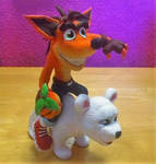 Crash Bandicoot and Polar Sculpture by KoochiWoochiKrafts