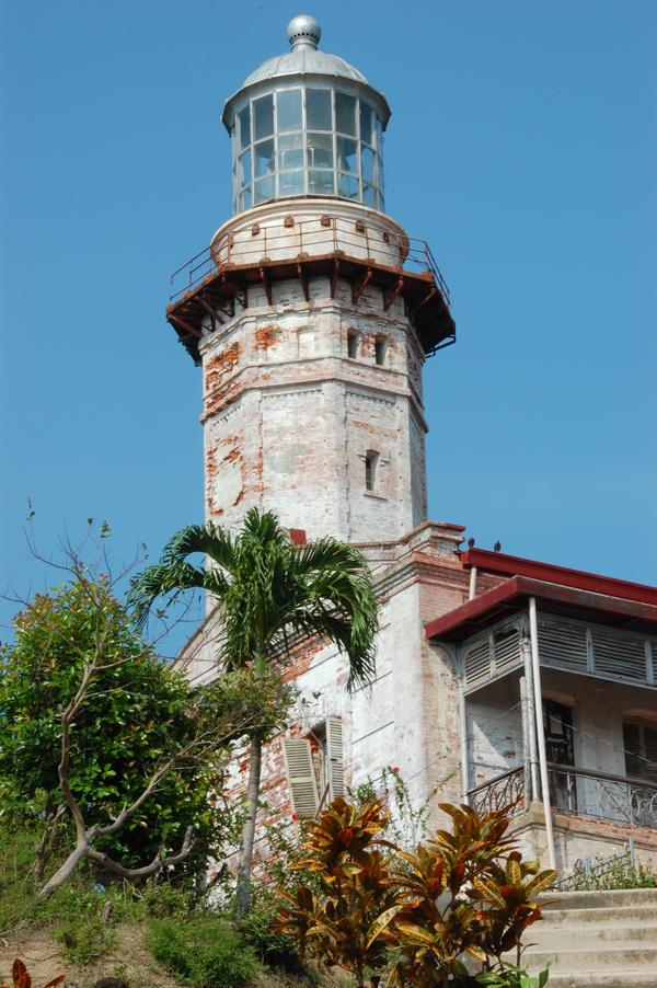 Najlepši svetionici sveta Cape_Bojeador_Lighthouse_by_saxorrm