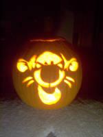 Tigger pumpkin by cinderspritzer