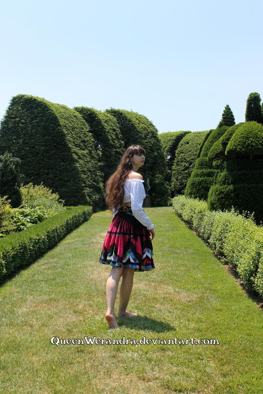 http://img02.deviantart.net/6e75/i/2017/192/b/9/lost_in_the_gardens_of_wonderland_iii_by_queenwerandra-dbfz3hc.jpg