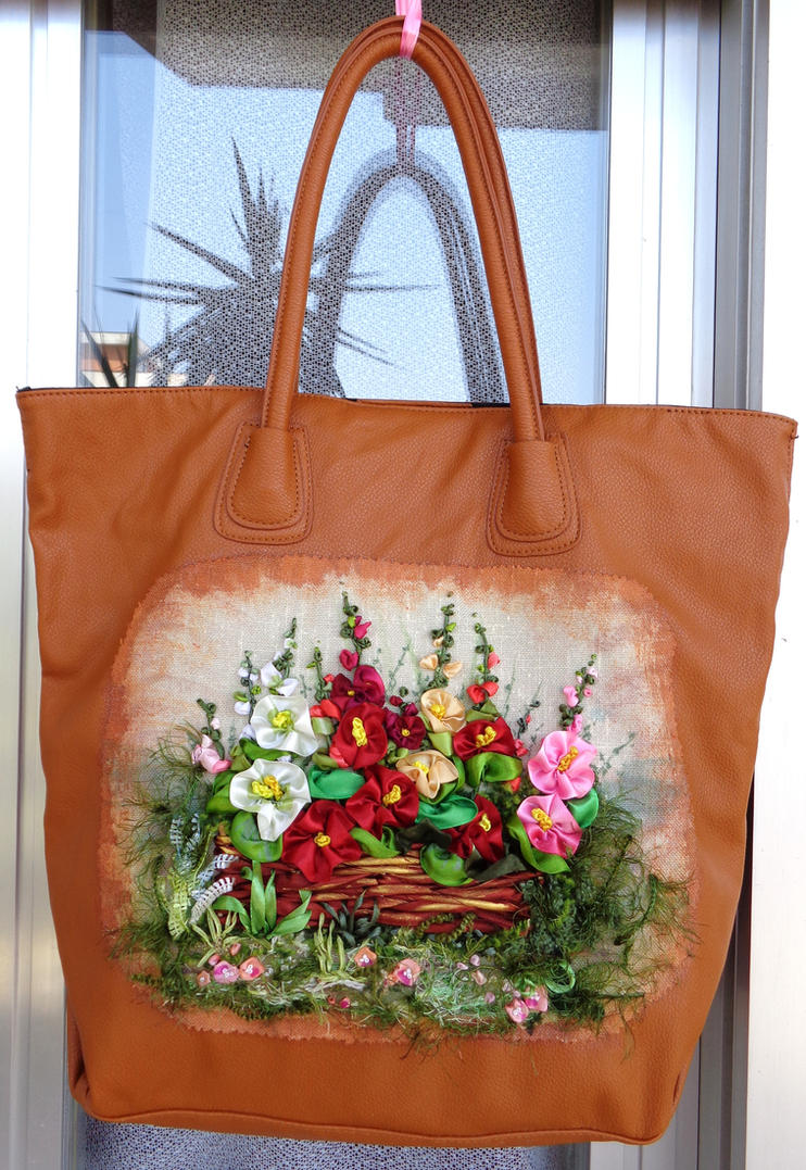 Embroidered summer bag by TetianaKorobeinyk