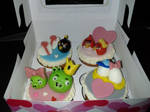 Angry birds valentine cupcakes