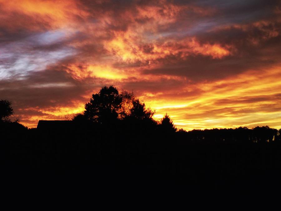 Burning sky by MrFotkerman