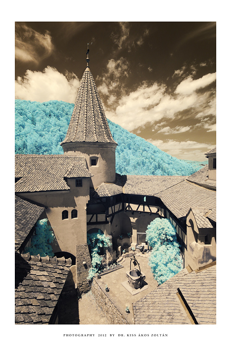 Bran Castle courtyard - IR by DimensionSeven