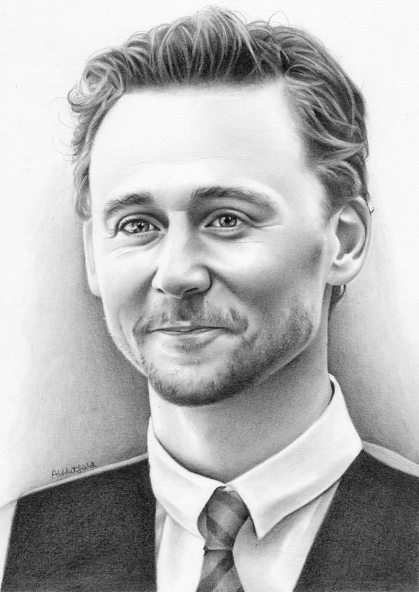 Tom Hiddleston by phoenix132