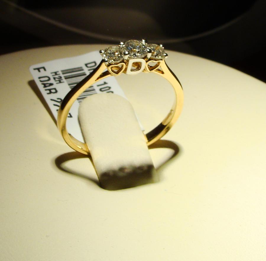 diamond ring from damas by Amira508 on DeviantArt