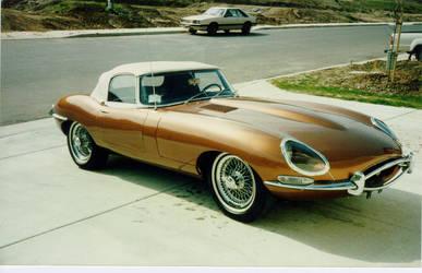 1967 Jaguar XKE by praxxis