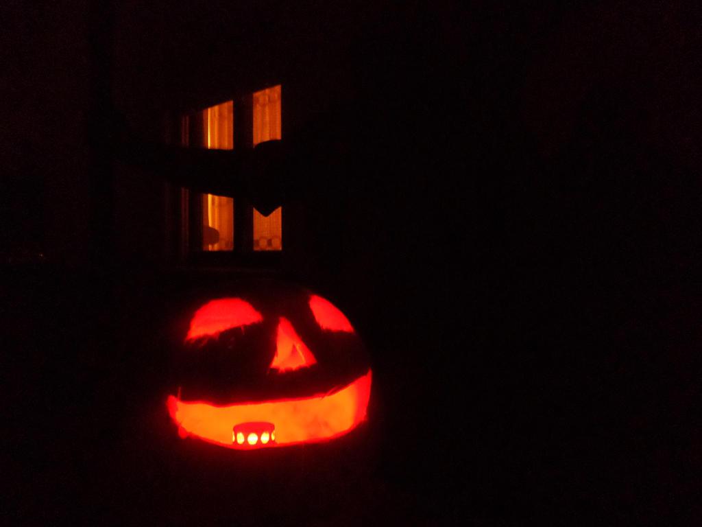 Halloween (2015) by Zahyebah