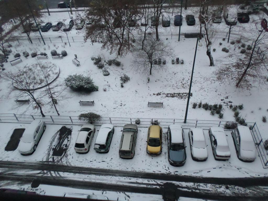 Snow in Budapest by Zahyebah