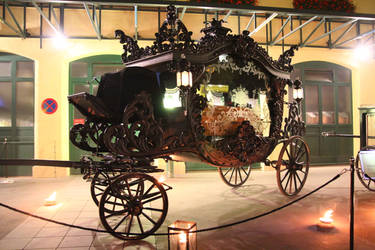 Hearse Carriage by Cerveloist