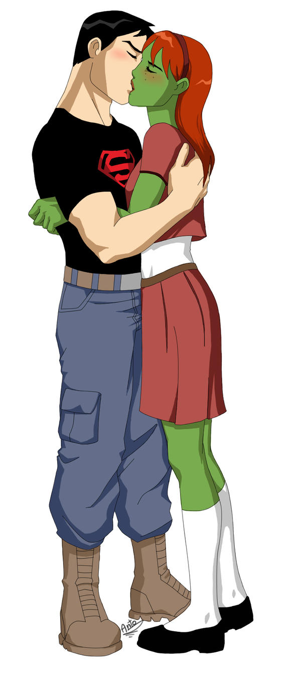 Young Justice Superboy And Miss Martian Get Back Together Miss Martian SuperBoy ...